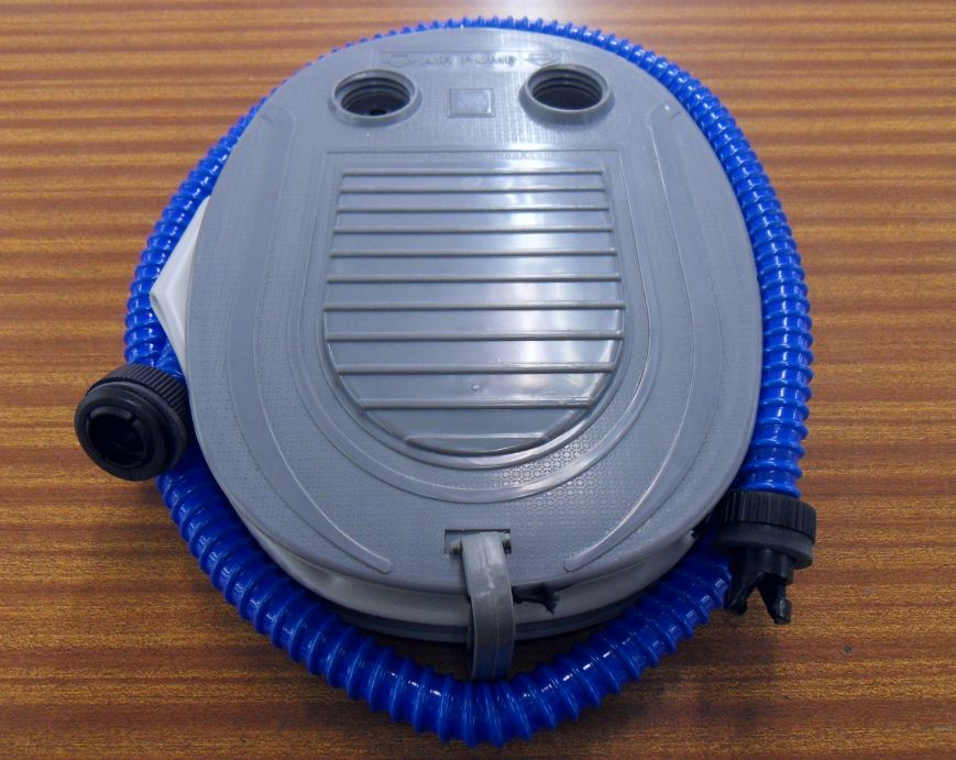 Mini gonfleur electrique 12 volts prise allume cigare - Gonfleur allume cigare ...